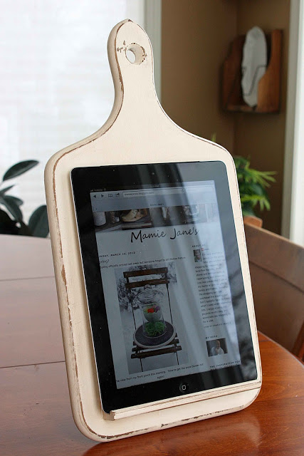 frugal christmas - tablet holder